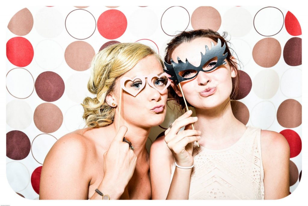 Wedding Ideas - Photo Booth & gelato cart between your wedding ceremony and reception